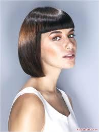 Đừng lo lắng quá với tóc mái cắt hỏng nhé, hãy biến chúng thành kiểu tóc thời trang. Biến tóc mái cắt hỏng thành kiểu tóc thời thượng. Mái bằng với tóc bob - bien-toc-mai-cat-hong-thanh-kieu-toc-thoi-thuong-69f544