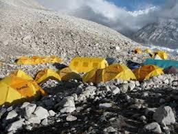%name Cho Oyu troppe valanghe, rientra la spedizione con Aldo Leviti di Predazzo
