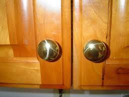 Fine Kitchen Cabinets Knobs  Hardware Installation For Design Ideas - Kitchen cabinets with knobs