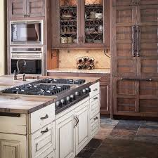 Antiqued Kitchen Cabinets by How To Distressed Kitchen Cabinets Modern Kitchen 2017