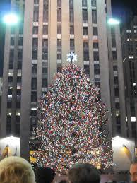 fifth avenue on christmas eve new york city