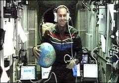 Turista espacial responde a perguntas enviadas pela BBC | BBC ...