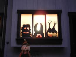 halloween room rolls window monsters easy cheap diy halloween decorations wired