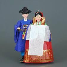 Nunta Traditionala in Coreea Images?q=tbn:ANd9GcTfqPT3QoXTwafW6dHThKJPw2RShm4jgzwGm7ypkMUVSF6kV4llOg