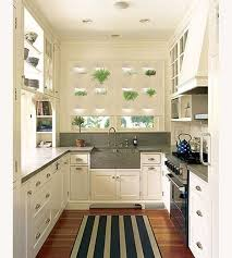 Small White Kitchen Design Ideas by Best 20 Country U Shaped Kitchens Ideas On Pinterest