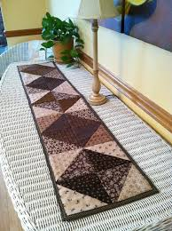 Quilted Table Runners by 180 Best Quilts Runners Wall Hangings U0026 Table Toppers Images On