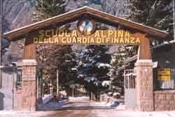 %name 90 anni di Scuola Alpina della Guardia di Finanza a Predazzo