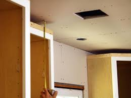 Installing Kitchen Cabinets Diy by How To Install Crown Moulding On Kitchen Cabinets Gramp Us