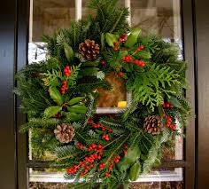 outdoor holiday decorating inspired by mother nature gardens to