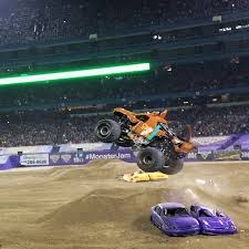 monster trucks cool video 10 reasons you should go to monster jam i don u0027t blog but if i