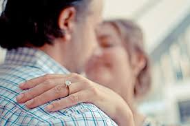 Online Dating Revolutionizes Dating for Over      Couples Skills Couples Skills When the idea of online dating or dating sites for over    is introduced  many adults and senior citizens may not have an idea of what to expect