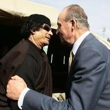 Juan Carlos con  Gadaffi