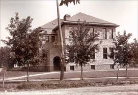 Irving High School The predecessor of Washington High School, Irving was originally built in 1890, at the corner of Eleventh Street and Spring Avenue, ... - high-school-Sioux-Falls