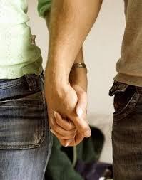 Hari Pertama Dating Dah Pegang Tangan
