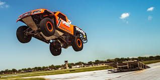 monster truck racing super series how robby gordon u0027s flying stadium super trucks have brought the