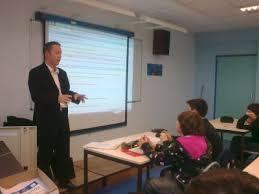 Le Jeudi 12 Novembre 2009, nous avons eu le privilège d\u0026#39;accueillir Maître Nicolas CHAMBET, avocat, dans notre classe. Pendant deux heures nous a parlé de ... - 2719472536_small_1