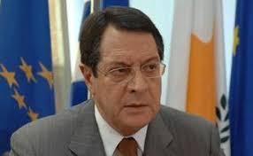 Την παραίτηση Χριστόφια (και Καρογιάν) ζητεί στην Κύπρο ο Αναστασιάδης...