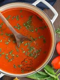 В какое украинское блюдо добавляют консервы: килька или бычок в томате?