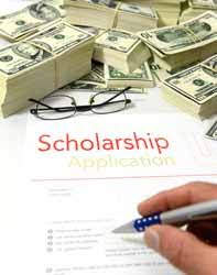 Filling Out College Scholarship Application Photo Financial Aid Finder
