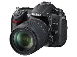 nikon d7000 digital slr camera body only 3 inch lcd amazon co uk