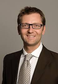 Dr  Patrik Frei