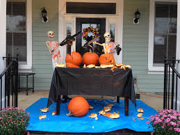 halloween skeletons decorations baxter skeletons u0027 rule halloween south carolina u0027s creative