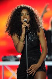 http://t2.gstatic.com/images?q=tbn:Evfm9bIa_R-6BM:http://kelly-rowland.net/wp-content/uploads/2010/05/wma-2010-17.jpg&t=1