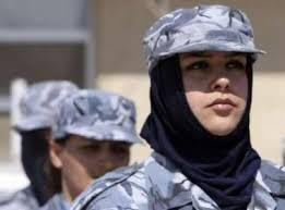 الشرطية women_police_cadets_attend_a_training_session_in_baghdad_2403009.jpg