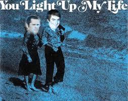 You Light Up My Life�