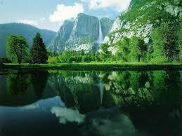 طبیعت  کوه و دریاچه