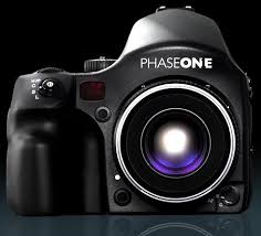 http://t2.gstatic.com/images?q=tbn:T-jGaxNSUz7I7M:http://news.cnet.com/i/bto/20080923/phase_one_camera_9.23.2008.JPG