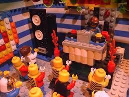 LEGOS, también ellos bailan