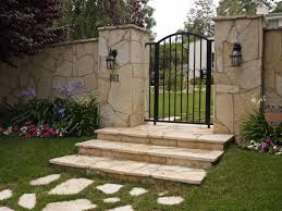 Moonlight Flagstone Gate Veneer and Paving