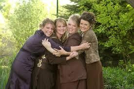 Sister wives Meri, left,