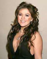 http://t2.gstatic.com/images?q=tbn:lZruYno6-M_4DM:http://www.clevelandleader.com/files/kelly-clarkson-20060707-143509.jpg