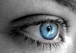 اسرار تعرفها من عيون البنت  Blue_eye