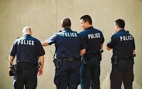 http://t2.gstatic.com/images?q=tbn:qd9ClLQ1--GlnM:http://static.pcinpact.com/images/bd/news/31574-police.jpg