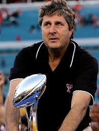 If Mike Leach locked a player