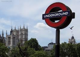Pokusil se zaútočit na londýnské metro. Dostal 33 let (Aktuálně)