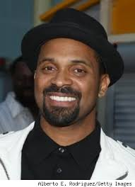 Mike Epps Gives Papparazzo