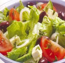 http://t2.gstatic.com/images?q=tbn:w2ZiwFY9Y5GVCM:http://gastronomie.philagora.org/salade/images/salade-grecque.jpg