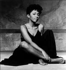 ANITA BAKER BIOGRAPHY