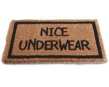 101 idee regalo per chi vi sta sul culo - Pagina 8 Underwear-doormat