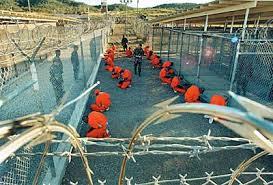 Ilustrace k článku: Obvyklá cesta: z Guantánama k Al Kajdě (Lidovky)