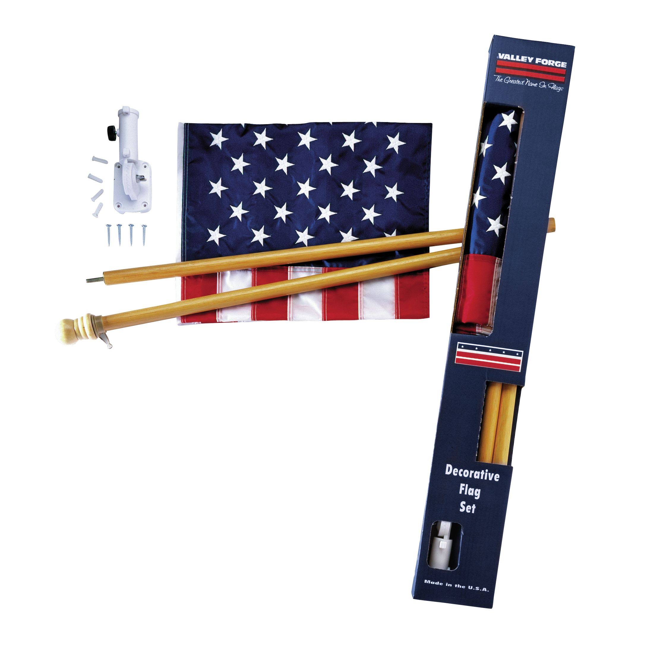 Valley Forge Flag Nylon US Flag Kit - 2-1/2'x4', with 5-Foot Wood Pole and Bracket