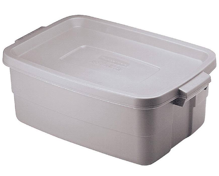 Rubbermaid Roughneck 8.7 in. H x 15.9 in. W x 23.875 in. D Stackable