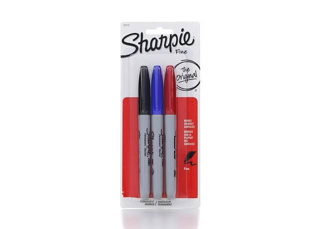 Sharpie Fine Point - Marker - permanent - black, red, blue - fine - pack of 3