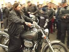 В России священник-байкер организовал и возглавил мотопробег