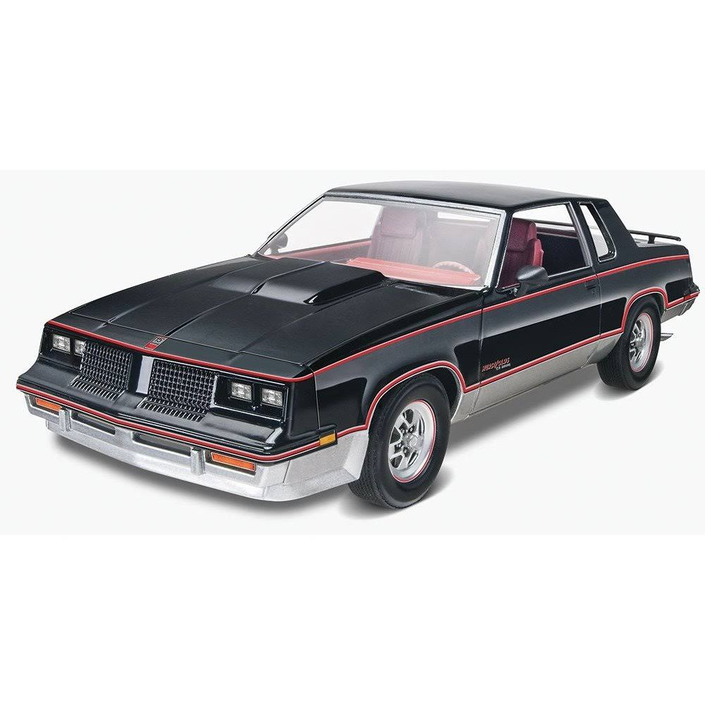 Revell 85-4317 Special Edition '83 Hurst Oldsmobile - 1:25 Scale