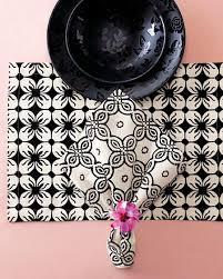 طريقة تزيين مناديل المائدة images?q=tbn:ANd9GcR